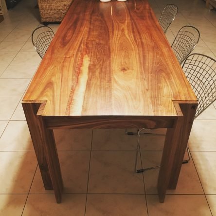 Florida Dining Table